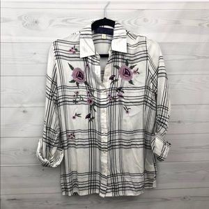 Francesca's Plaid Floral Embroidered Button Down S